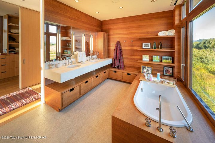 16 Master Vanity + Soaking Bath