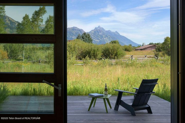 40 N Deck + Tetons from Dining