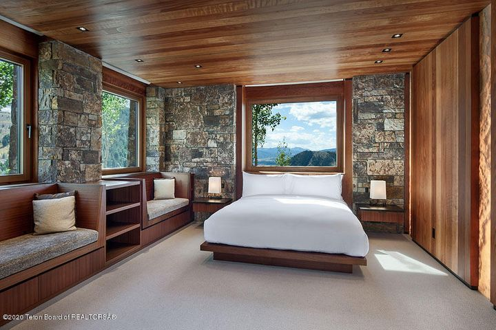 Lower Guest Room
