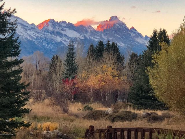 Alpen Glow on Grand Tetons