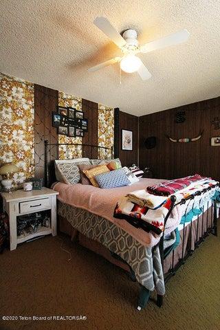 Mule Deer BC Bedroom 1 100 dpi