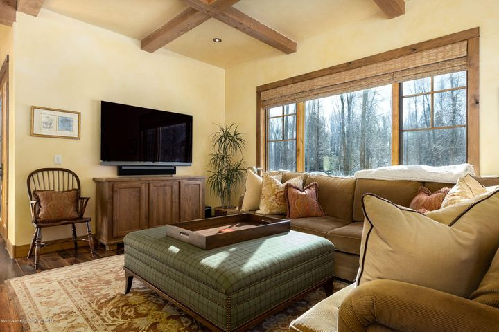 4775 River Hollow Dr.-2-web