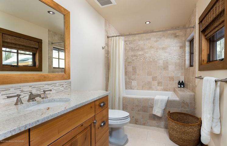 4775 River Hollow Dr.-20-web