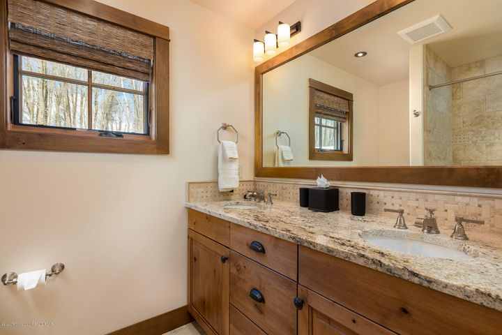 4775 River Hollow Dr.-24-web