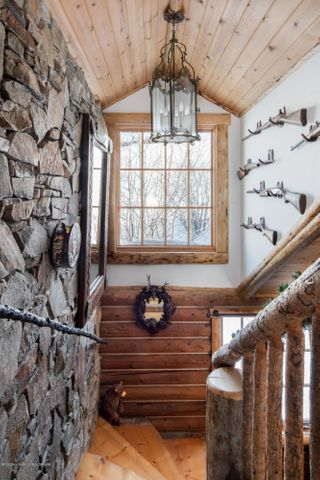 275 N Bar Y Road - Staircase Details