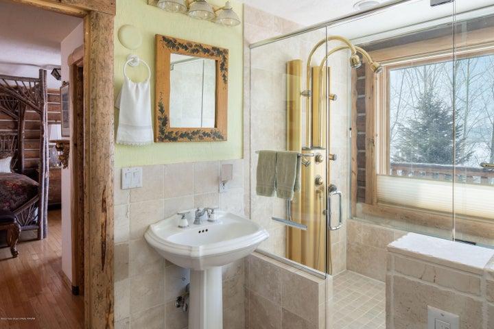 275 N Bar Y Road - Master Suite Bath