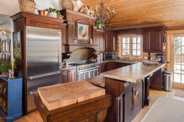 275 N Bar Y Road - Kitchen