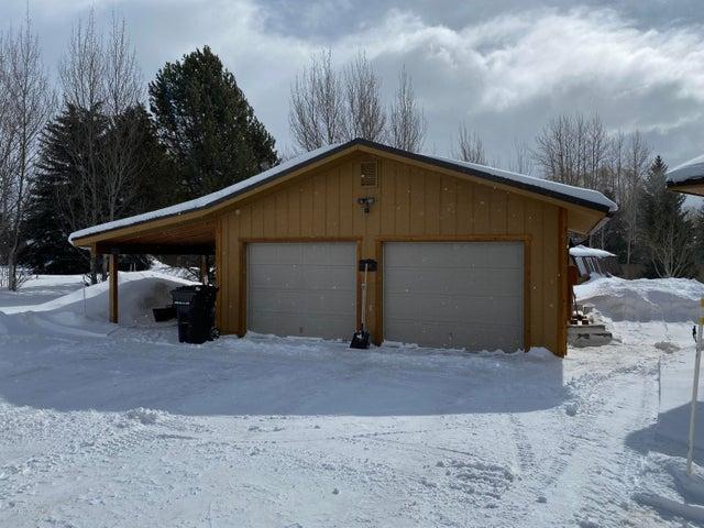2 car detached garage