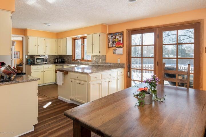 sunny kitchen 1