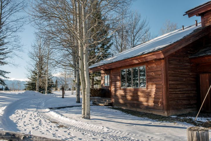 1662 BUTTE RD <br>Jackson, WY