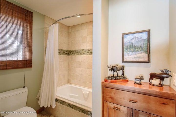 9 Master Bathroom 2
