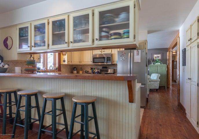 Kitchen Bar Area