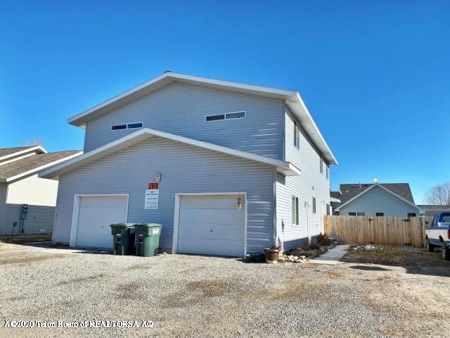 325 & 327 COLE AVENUE <br>Pinedale, WY