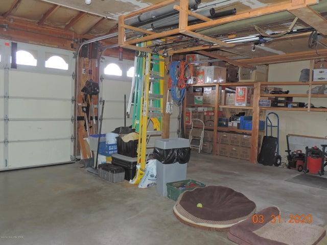 Garage - 2 stalls