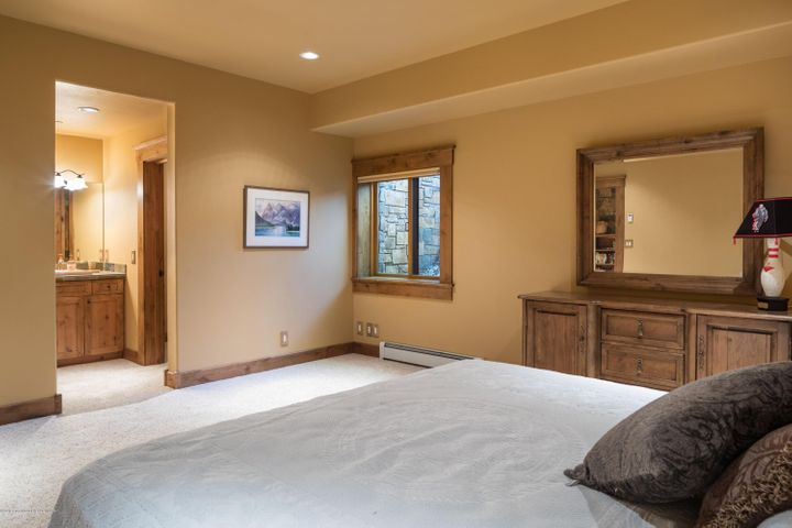 26. Guest room 4