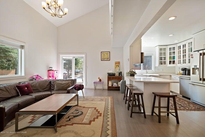 Open floor plan kitchen & living room
