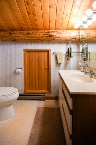 main house loft bath