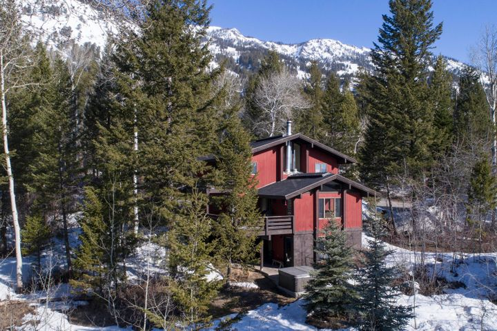Exterior with Mountain View