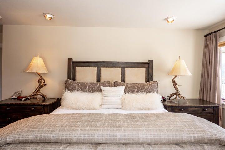Bedroom Western Light