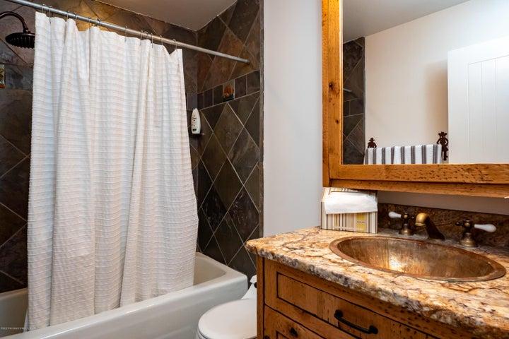 Bathroom w 3rd bedroom