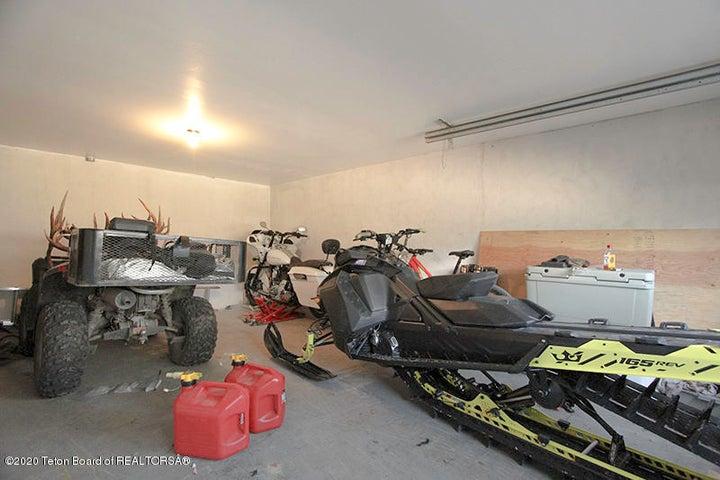 735 SK East Garage Bay 1 100 dpi