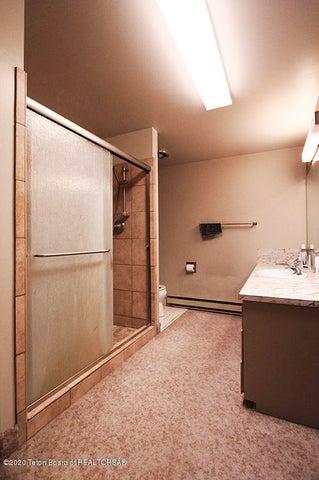 735 SK Top Floor Bath 1 100 dpi