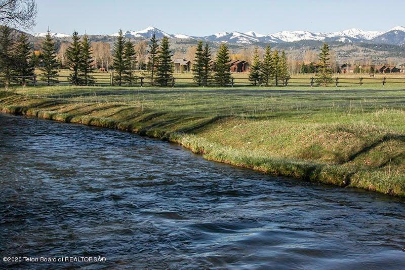 Big Trails Exterior Flat Creek 3 100 dpi