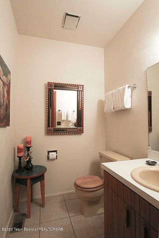 670 Sagebrush Half Bath 1 100 dpi