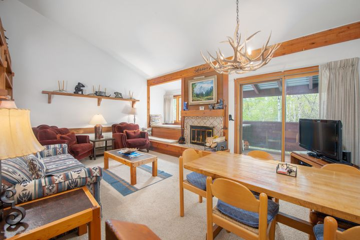 3900 S LAKE CREEK DRIVE, 1222, Wilson, WY 83014