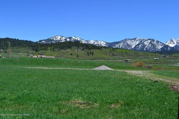 32 RIVER TRAIL DR, Alpine, WY 83128