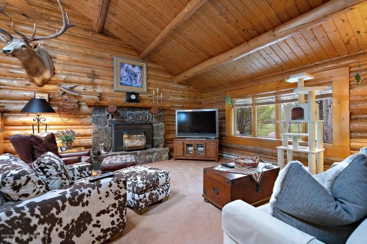 2055 South Par Ranch LoRes-12