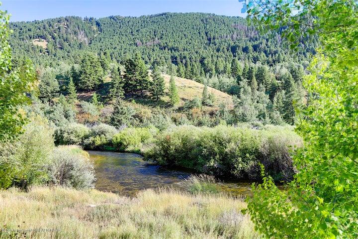 Overlooks Flat Creek