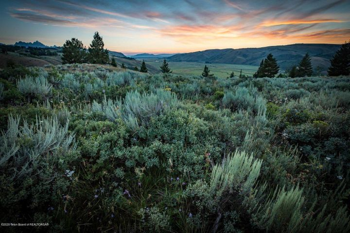375 RED TAIL BUTTE ROAD <br>Jackson, WY