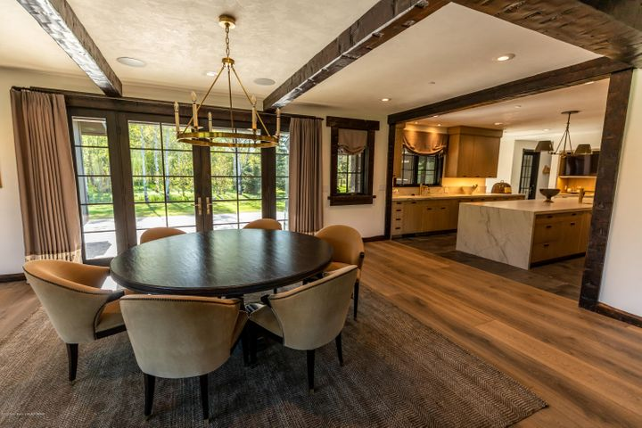 7- Dining into Kitchen