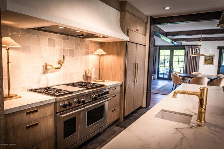 8 - Kitchen 1