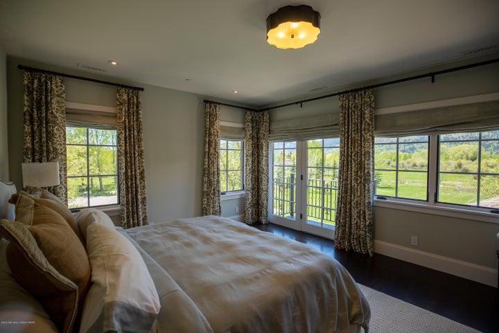 14 - Guest Bedroom1