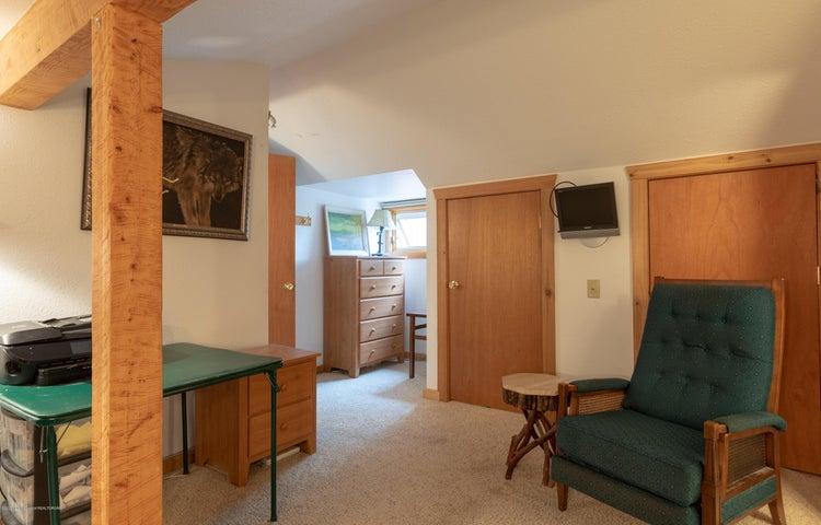 Bedroom 2.3