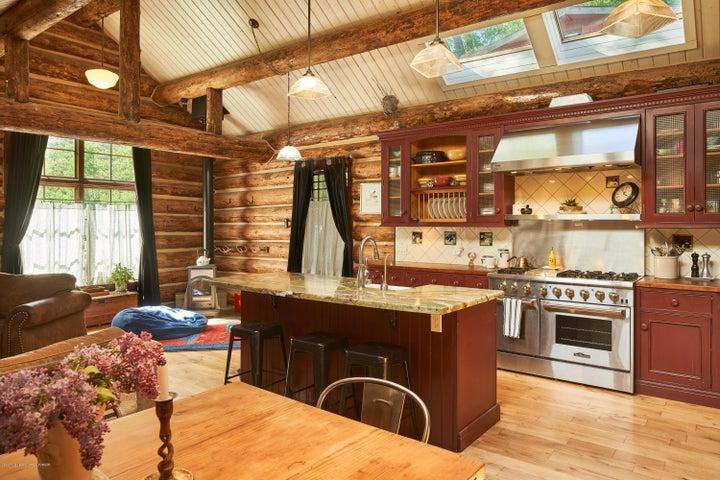Kitchen_and_Island