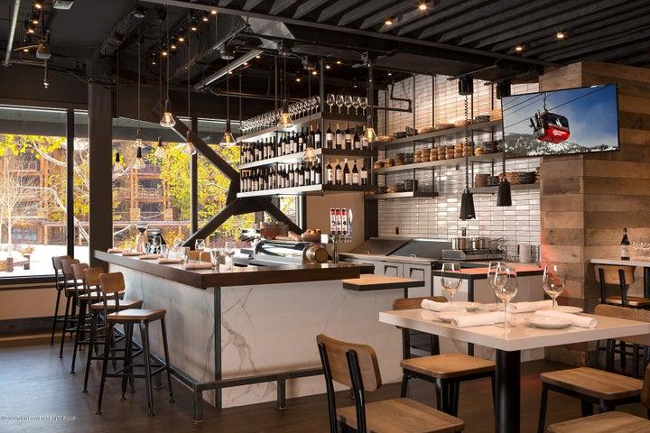 7 Bar Enoteca at Hotel Terra Jackson Hol