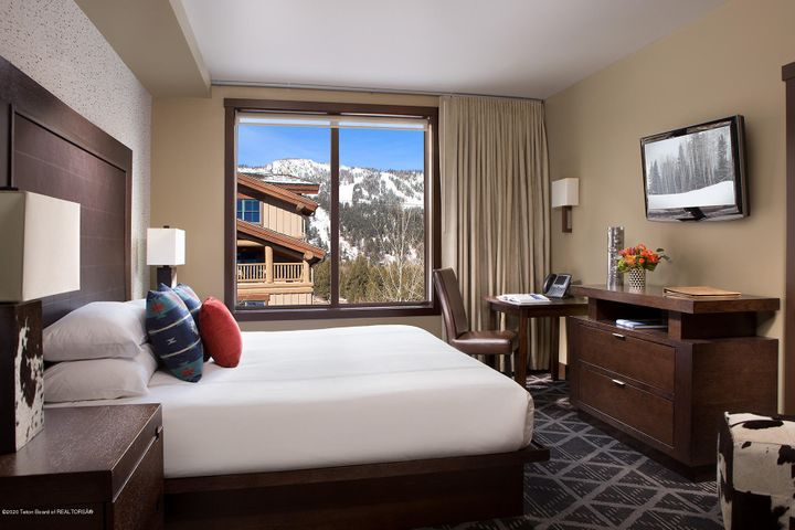10 Hotel Terra Guest Room with King Bed