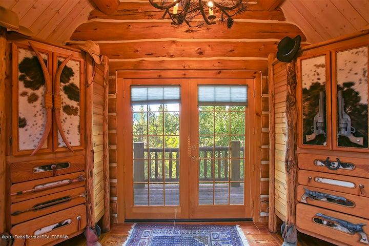 Bedroom Suite I Balcony Porch
