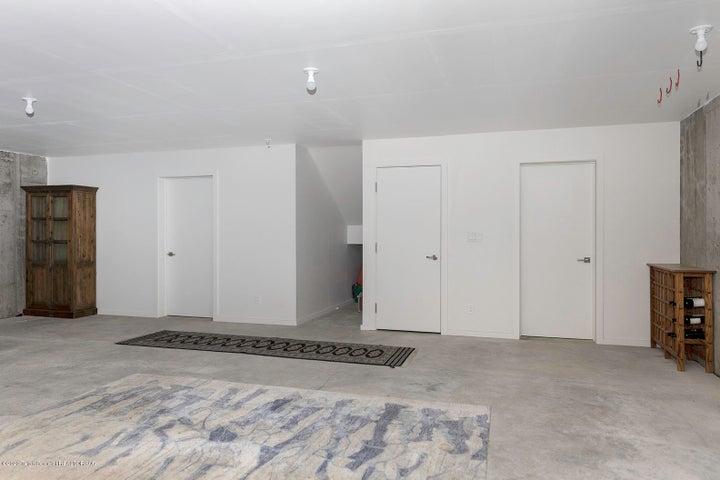 lower level flex space