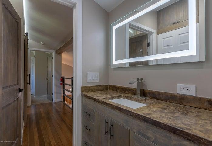Upstairs Bathroom 2