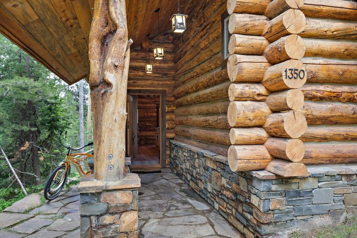 Newer Log Construction