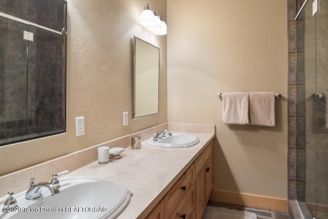 13. Guest Bathroom #2