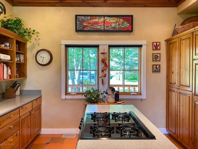 Kitchen Island Windows