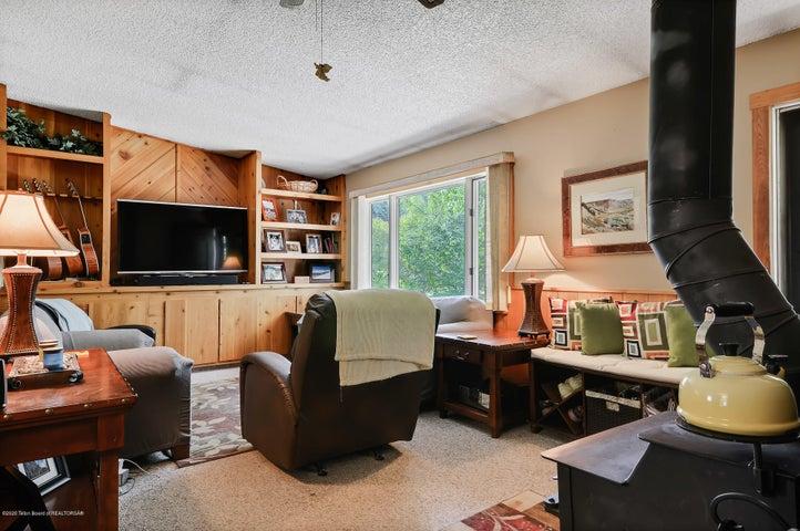 Warm & bright living area