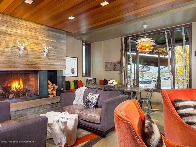 Lobby_Fireplace