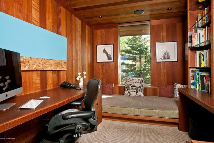 9 Master Office