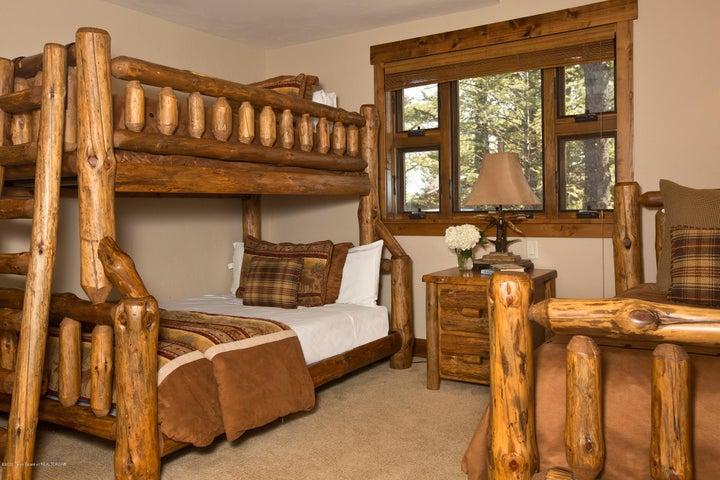 Blue Moose Lodge Bunk Beds